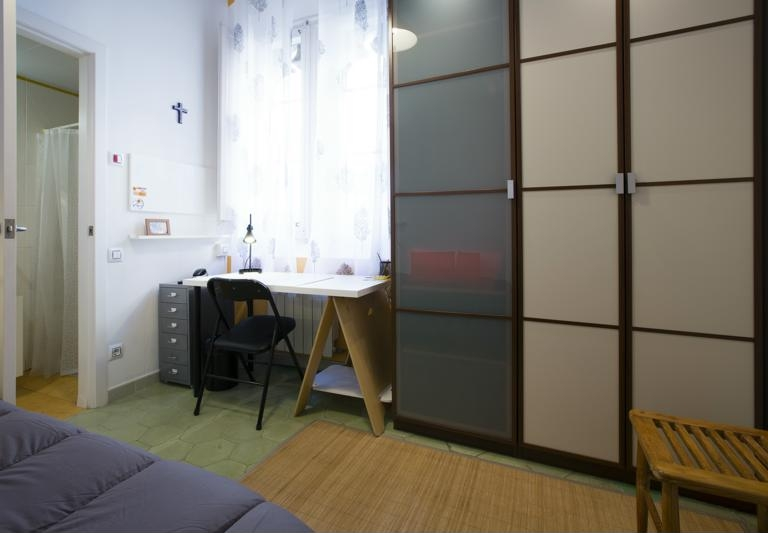 Room (2)-800x600