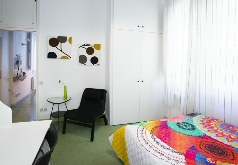 Room (8)-800x600